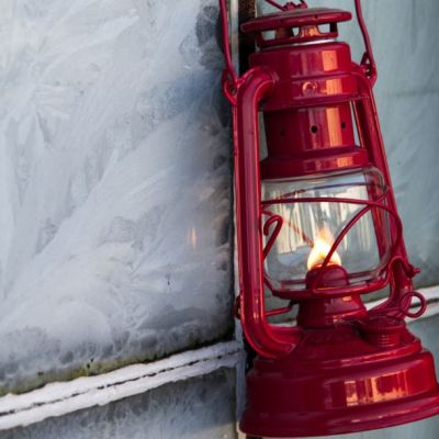 The rubin red Feuerhand lantern 276